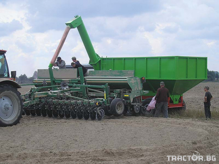 Ремаркета и цистерни Контейнер за събиране Кобзаренко ПБН-20 11 - Трактор БГ